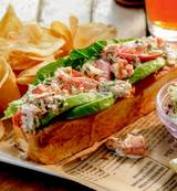 pacificcatch-lobsterroll.jpg
