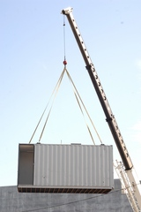 03_Proxy_craning_container.jpg
