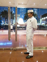 8m-hongkong-intercontinental-doorman.jpg